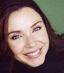 commercial actress salary stephanie courtney behind the voice actors