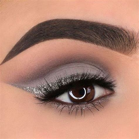 Eyeshadow Silver 25 best ideas about gray eyeliner on make up