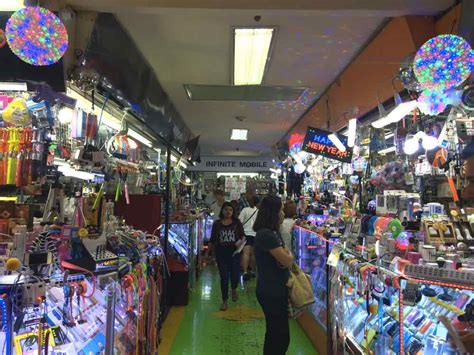 mbk mobile shop bangkok shopping guide 6 places to shop until you drop