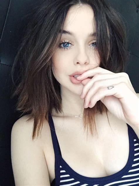 beautiful blue eyes brunette girl selfie beautiful blue eyes brunette girl selfie acacia brinley