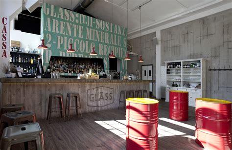 stile di arredamento arredamento in stile industriale un pub ristorante svela