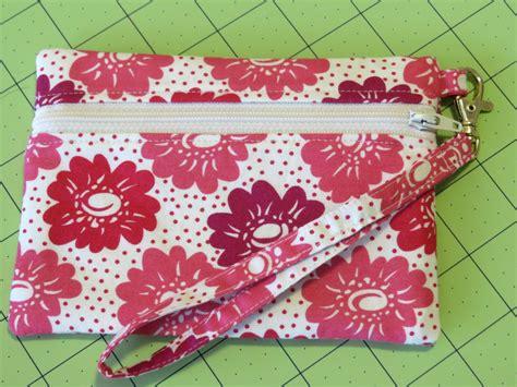 zippered pouch pattern free sweet bee buzzings zip along front zip pouch