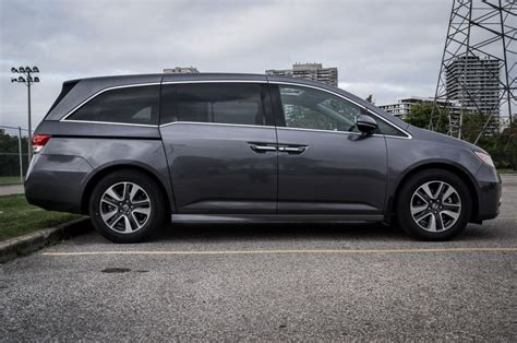 Honda Odyssey 2015 Reviews by 2015 Honda Odyssey Touring Review Doubleclutch Ca