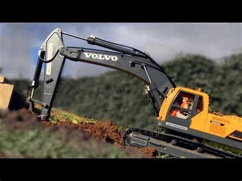 rc bagger graebt wiese auf volvo ec bruder excavator toys  children youtube