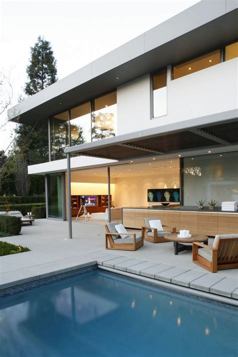 Brentwood Interiors by Brentwood Residence Interiors Design By Mlk Studio