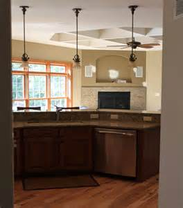 Pendant Lights Over Kitchen Island by Pendant Lighting Over Island Traditional Kitchen