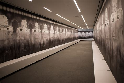 oregon locker room photos oregon football media takes tour of hatfield dowlin complex uwire