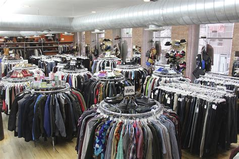Fashion Advice Chicago Sle Sales Boutiques And More The Budget Fashionista 3 by Top Consignment Shops Nyc Has To Offer For Designer Clothes