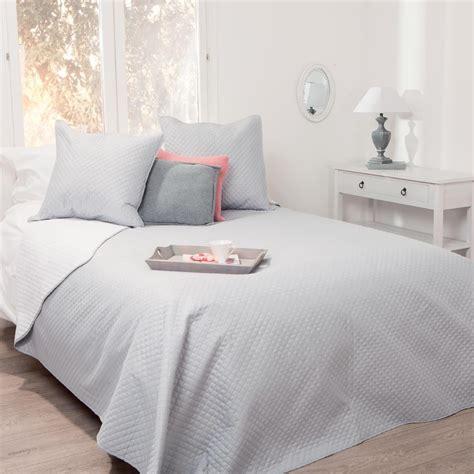 housses d oreillers dessus de lit bicolore gris clair blanc 240x260 2