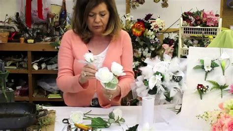 How To Make Wedding Bouquets Using Artificial Flowers by How To Make A Wedding Bouquet With Silk Flowers Silk