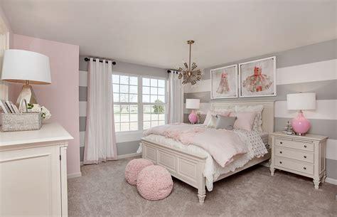cute apartment bedroom ideas   love roundecor