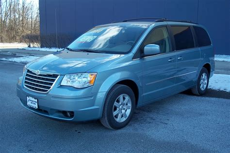 how it works cars 2010 chrysler town country parking system 2010 chrysler town country overview cargurus