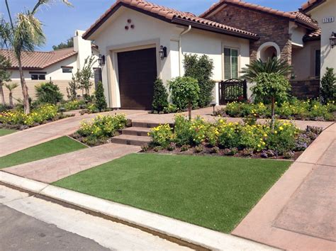 front yards ideas 17 best ideas about small front yard landscaping on