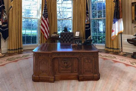 trump oval office redecoration check out how president trump has redecorated the oval