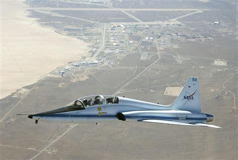 drydens   talon trainer jet  flight nasa   borrow