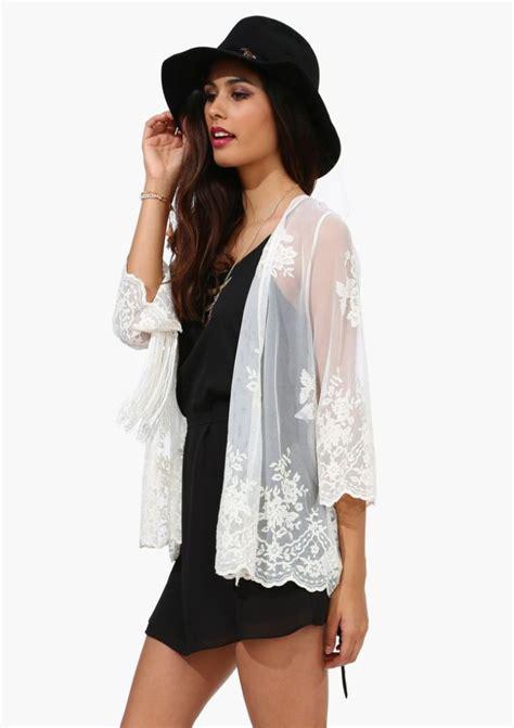 Wears A by Ways To Wear Lace Kimono Archives 3 Ways To Wear