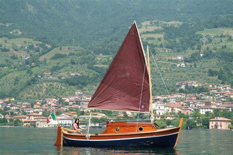 gozzo cabinato in legno gozzo sebino barca in legno cantiere nautico ercole