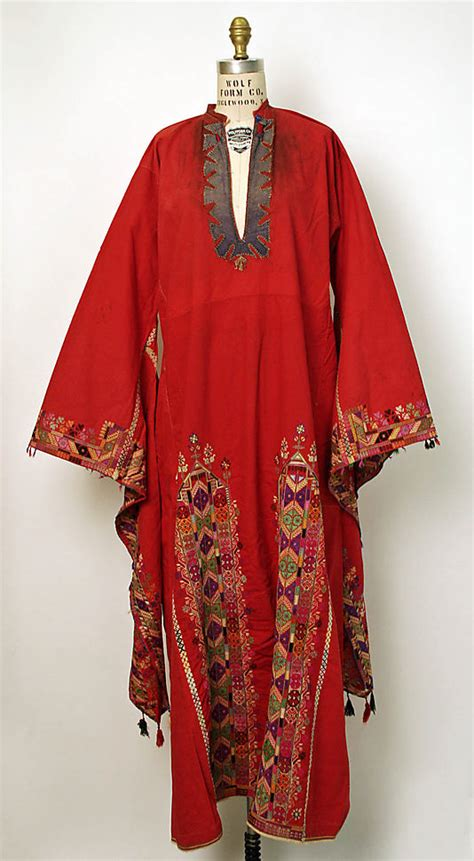 syria festivity dress with wing sleeves qalamoun or