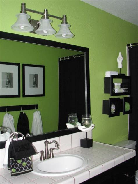 Green And White Bathroom Ideas by 25 Best Ideas About Lime Green Bathrooms On Pinterest