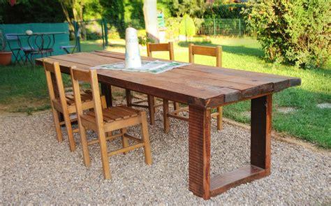 costruire un tavolo da giardino un maxi tavolo in legno di recupero cose di casa