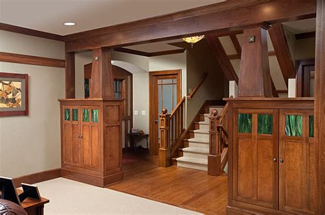 wooden detailing in the interior of a craftsman home decoist