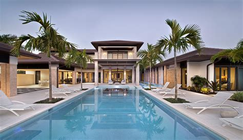 custom dreamhouse com custom dream home in florida with elegant swimming pool