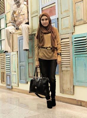 Baju Setelan Wanita Muslim Modis Trendy Gaul Cantik Denada 15 baju muslim modis untuk kuliah kumpulan model baju