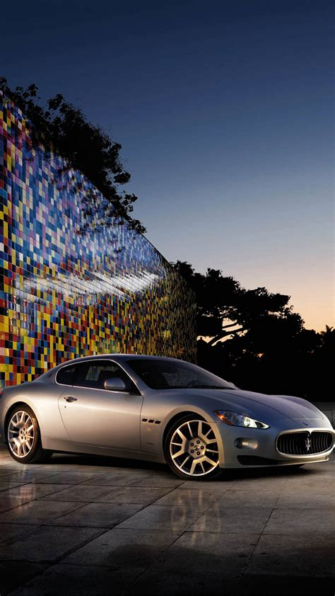 maserati logo wallpaper iphone les 3 wallpapers iphone du jour 10 04 2015 appsystem