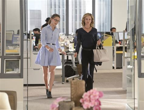 Step Into Office by Supergirl Recap How Does She Do It The Sue