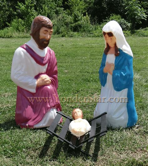 outdoor nativity holy family life size lighted nativity