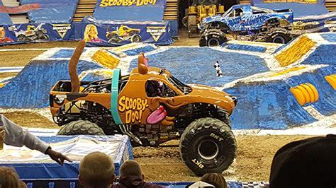 sacramento monster truck sacramento monster jam 2016 recap mom s blog