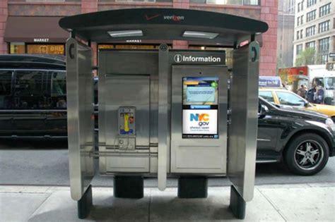 vecchie cabine telefoniche new york addio alle cabine telefoniche arrivano gli
