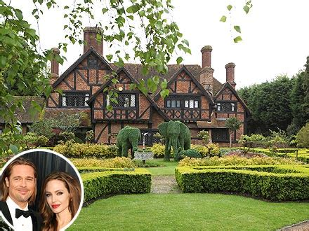 angelina jolie house angelina jolie brad pitt engaged and buying house in london people com
