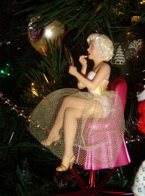 marilyn monroe ornament i need this marilyn monroe