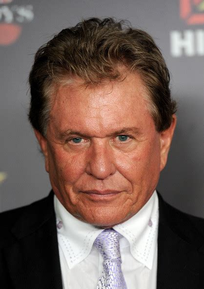 actor tom berenger tom berenger pictures history channel s pre emmy party