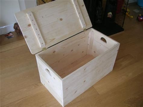 download build your own wooden storage chest plans free