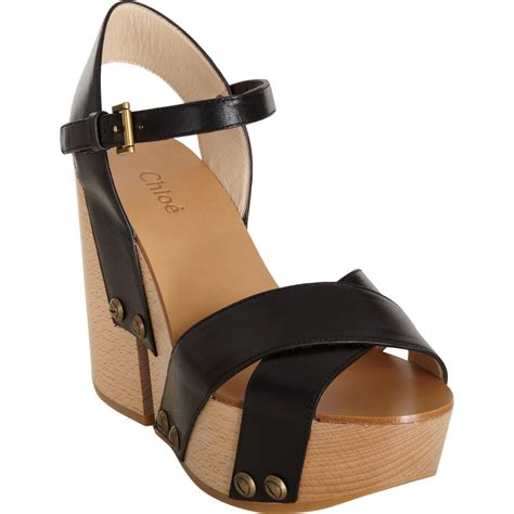chlo 233 wooden wedge sandal in black lyst