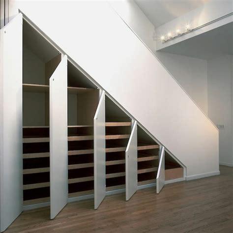 schrank treppe schrank unter die treppe stellen eine tolle idee