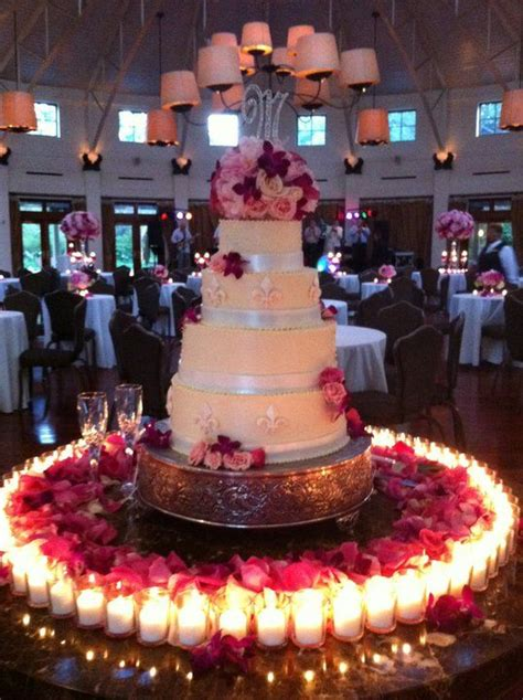 wedding cake table centerpieces wedding cake table d 233 cor ideas decozilla