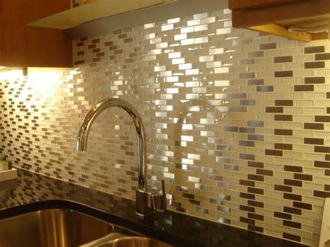 panduan memilih motif keramik kamar mandi renovasi rumahnet