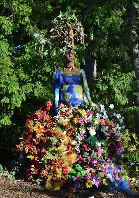 Our Art And Horticulture Therapy Programs Teamed Up For Atlanta Botanical Gardens Scarecrows
