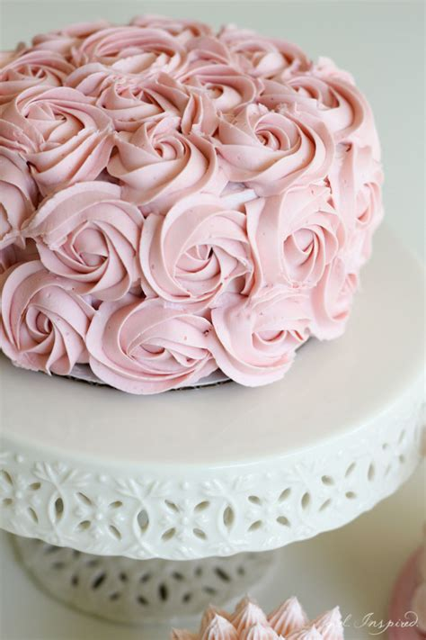 Cake Decorations by Simple And Stunning Cake Decorating Techniques