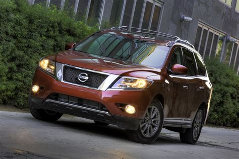 nissan pathfinder review ratings specs prices    car connection