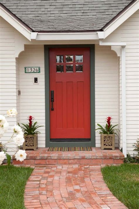 Boldly Painted Front Doors Be The Envy Of The Neighborhood Bold Front Door Colors