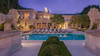 Beverly Hill Home Of The Day Grand Neoclassical Estate In Beverly