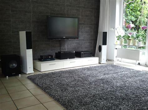 teppich im wohnzimmer wohnzimmer mit neuem teppich teppich wohnzimmer hifi