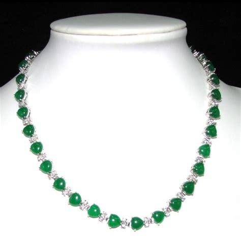 emerald color jade necklace