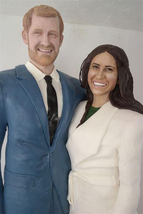 Fondant Cake Uk15 2 royal wedding prince harry and meghan size cakes