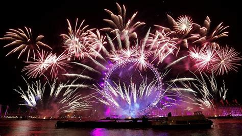 www co uk new year spectacular new year firework displays welcome 2018 news