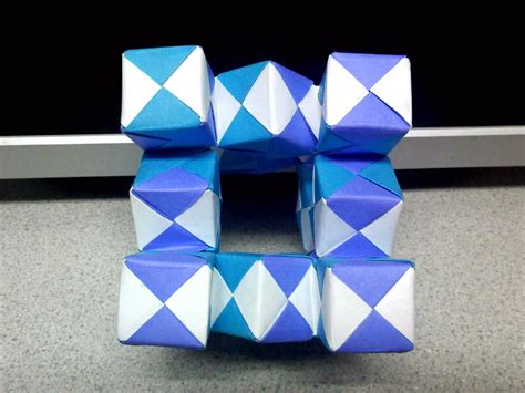 Origami Moving Cubes - modular moving sonobe cubes 2 top view by